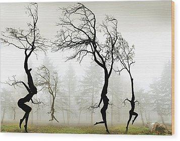 In The Mist Wood Print by Igor Zenin