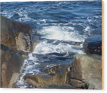 Incoming Tide Wood Print by Catherine Gagne