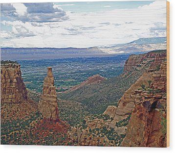 Independence Monument In Colorado National Monument Near Grand Junction-colorado Wood Print
