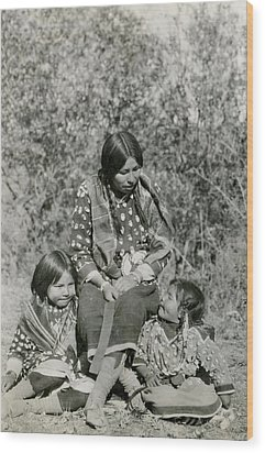 Wood Print featuring the photograph Indian Mother With Daughters by Charles Beeler
