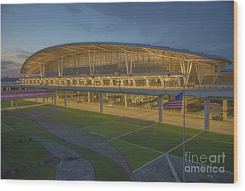 Indianapolis International Airport Wood Print by David Haskett
