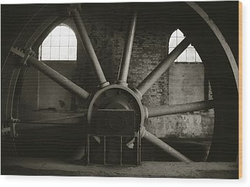 Wood Print featuring the photograph Funicular System by Amarildo Correa