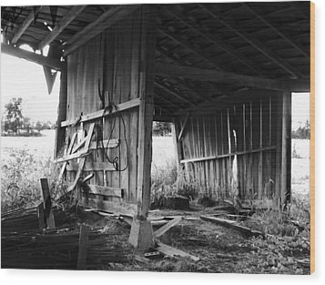 Interior Of Barn In Plainville Indiana Wood Print by Julie Dant