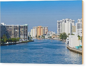Intracoastal Waterway In Hollywood Florida Wood Print by Les Palenik
