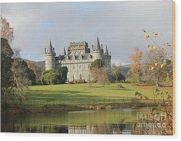 Inveraray Castle Wood Print by David Grant