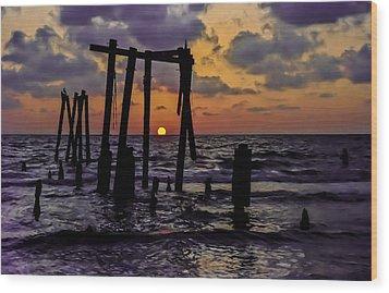 Irb Sunset Wood Print by Randy Sylvia