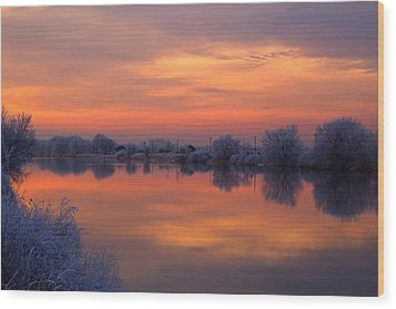 Wood Print featuring the photograph Iridescent Sunset by Lynn Hopwood