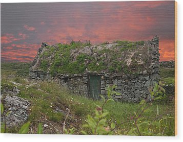 Irish Cottage Wood Print by Rob Hemphill