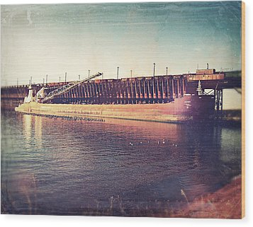 Iron Ore Freighter In Dock Wood Print