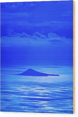 Island Of Yesterday Wood Print