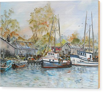 It Is A Busy Day Here At The Marina Wood Print by Dorothy Maier