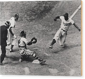 Jackie Robinson In Action Wood Print by Gianfranco Weiss