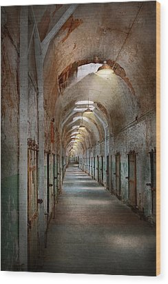 Jail - Eastern State Penitentiary - Endless Torment Wood Print by Mike Savad