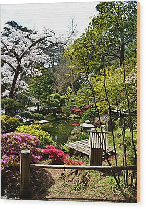Japanese Gardens Wood Print by Holly Blunkall