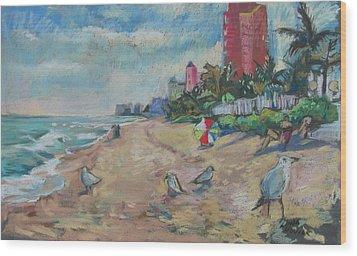 Jaunty Beach Birds Wood Print