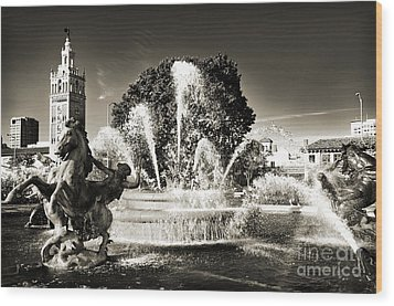 Jc Nichols Memorial Fountain Bw 1 Wood Print