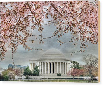 Jefferson Blossoms Wood Print by Lori Deiter
