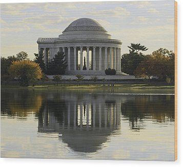 Jefferson Memorial In Autumn Wood Print