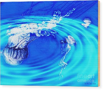 Jellyfish Pool Wood Print by Methune Hively