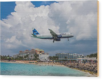 jetBlue in St. Maarten Wood Print