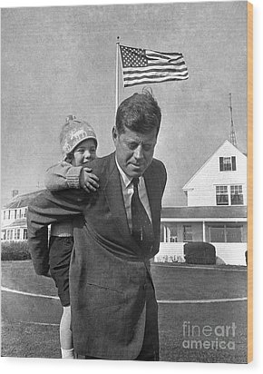 Wood Print featuring the photograph Jfk And Caroline Kennedy 1960 by Martin Konopacki Restoration