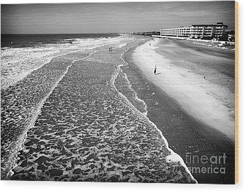 Jogging At Folly Beach Wood Print by John Rizzuto