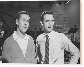 Johnny Carson With His Brother Dick Carson 1963 Wood Print by The Harrington Collection