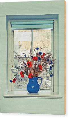 Jug Of Flowers Wood Print by Tom Gowanlock