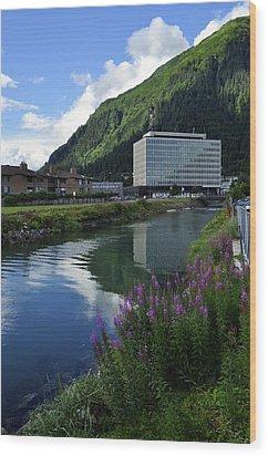 Juneau Federal Building Wood Print by Cathy Mahnke