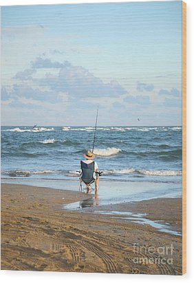 Just Relaxin And Fishin Wood Print by Suzi Nelson