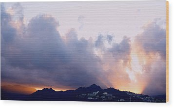 Kamehameha Sunrise Wood Print by Kevin Smith