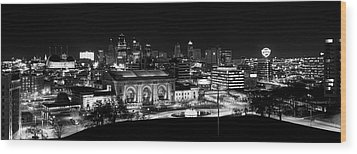Kansas City In Black And White Wood Print