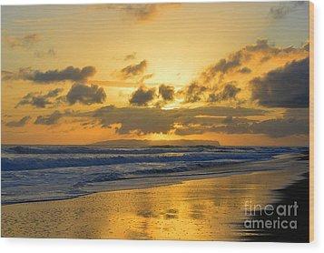 Kauai Sunset With Niihau On The Horizon Wood Print by Catherine Sherman