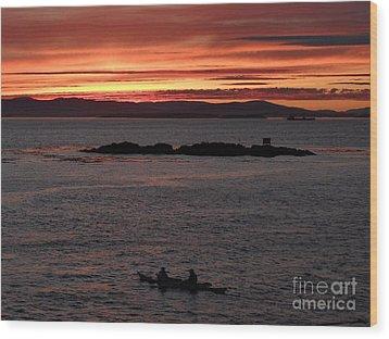 Kayak Sunset Wood Print by Gayle Swigart