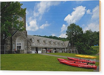 Kayaks At Boat House Wood Print by Amy Cicconi