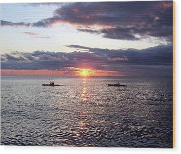 Kayaks At Sunset Wood Print