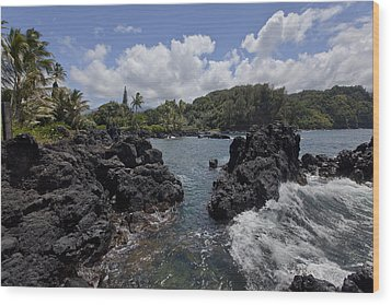 Keanae Wood Print by James Roemmling