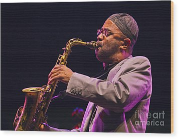 Kenny Garrett Wood Print by Craig Lovell