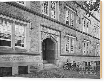 Kenyon College Hanna Hall Wood Print by University Icons