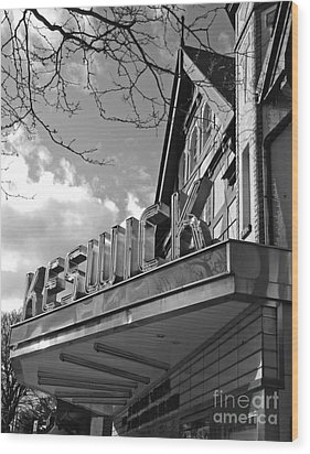 Keswick Theater Wood Print by Val Miller