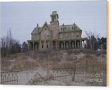 Kettle Point Manor Wood Print by Tom Straub