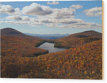Kettle Pond At Owls Head In Autumn Wood Print by Jetson Nguyen