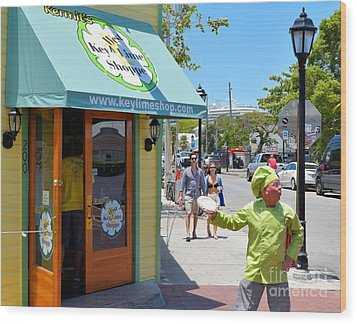 Key Lime Pie Man In Key West Wood Print