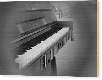 Keys 1 Wood Print by Frederico Borges