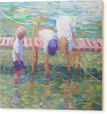 Kids On The Jetty Wood Print by Jackie Simmonds