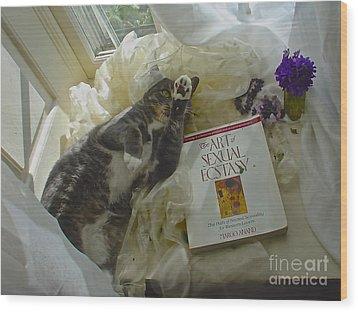 Wood Print featuring the photograph Kiki Kinky by Delona Seserman