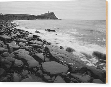 Kimmeridge Bay In Black And White Wood Print by Ian Middleton