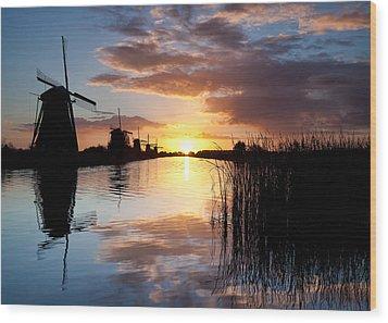 Kinderdijk Sunrise Wood Print by Dave Bowman