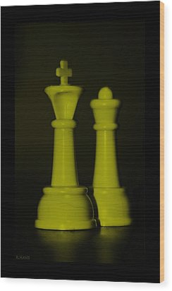 King And Queen In Yellow Wood Print by Rob Hans