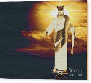 King Of All Kings Wood Print by Belinda Threeths